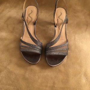 Nina pewter dress/evening shoe size 8.5 medium
